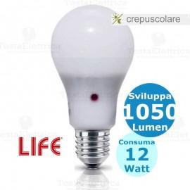 Lampadina a led  con doppio sensore crepuscolare E27 12 Watt LIFE